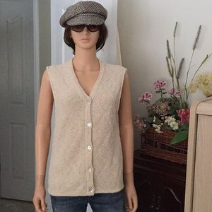 Woolrich mother of pearl button vest